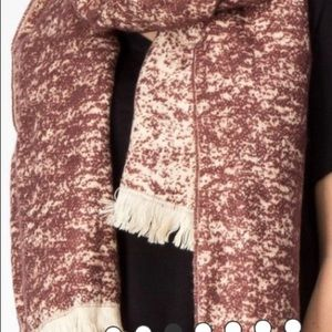 Accessories - Soft and thick fringe scarf